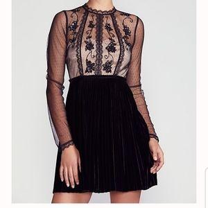 Free PeopleWomen's Black Ariel Pleated Mini Dre